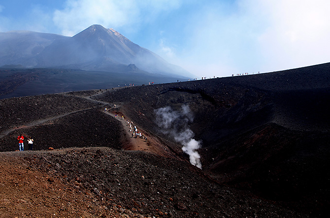 Amazing trails of Etna trekking trip